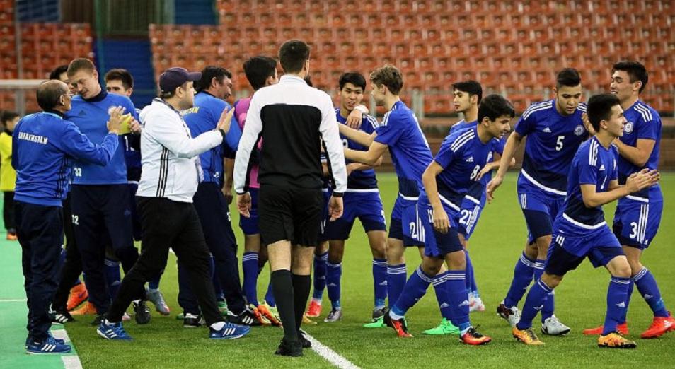 Мемориал Гранаткина: Казахстан – в полуфинале