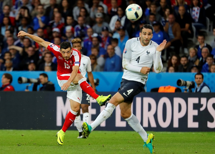 Евро-2016: Жертвы битвы за плей-офф – четыре футболки и один мяч