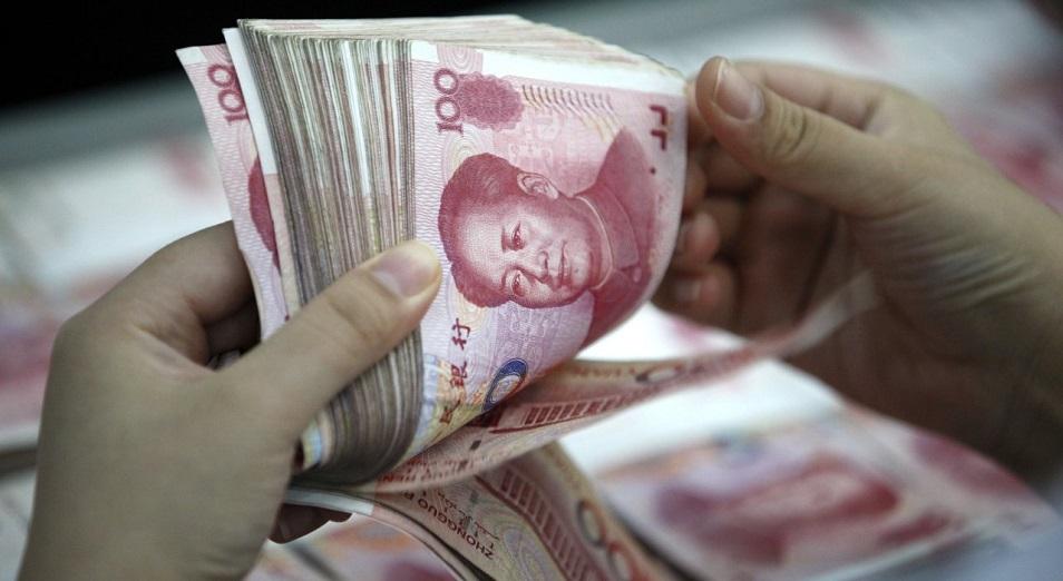 Крадущийся доллар, затаившийся юань