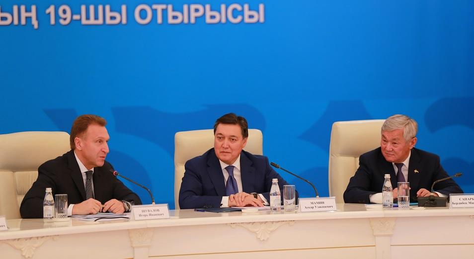 Актюбинские рельсы уложили в Россию