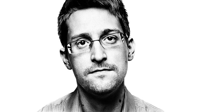 Сноуден разработает чехол для iPhone против слежки спецслужб