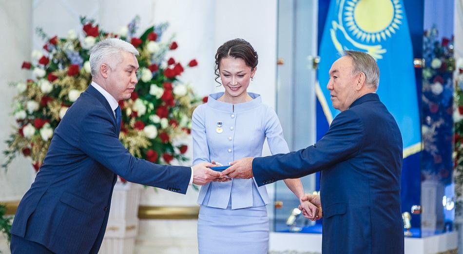Назарбаев наградил лучших