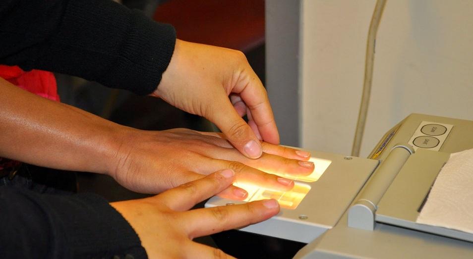 Без пальцев не будет и паспорта