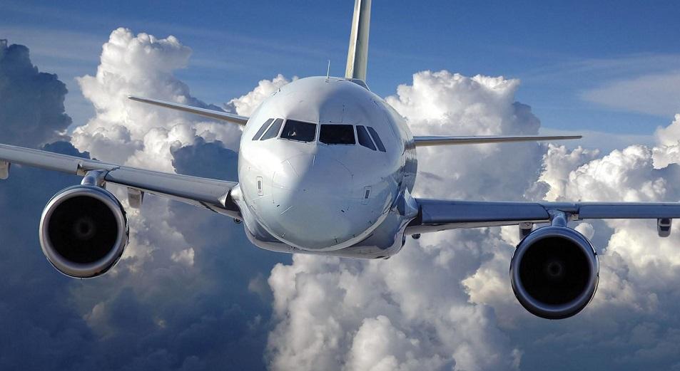 Выкуренная в самолете сигарета может стоить свободы