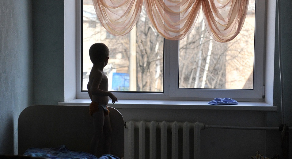 Казахстанский банк детей-сирот близок к банкротству