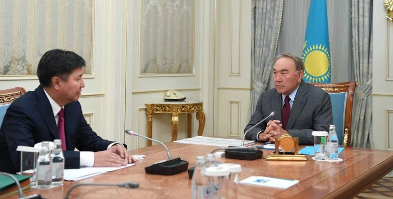 Нурсултан Назарбаев провел встречу с председателем ВС РК