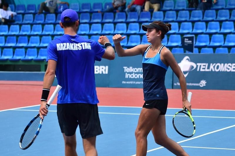Казахстанские команды по теннису вышли во второй раунд на Азиаде-2018