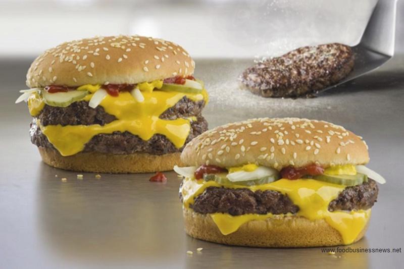 """McDonald's оштрафовали на 700 тыс. руб. за нарушения при продаже товаров через """"МакАвто"""""""