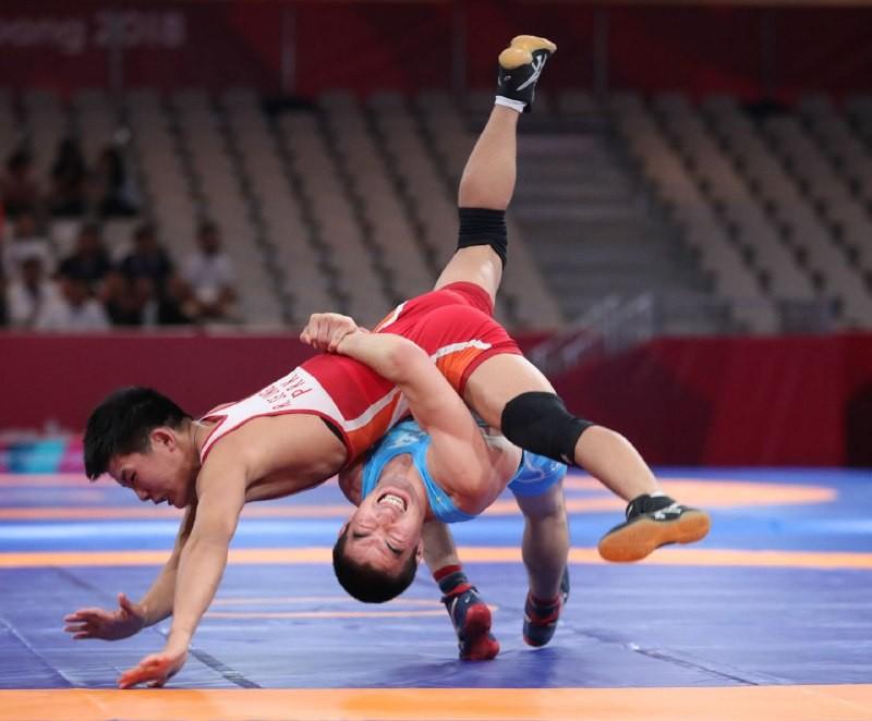 12-ую медаль на Азиаде-2018 принес борец Мейрамбек Айнагулов