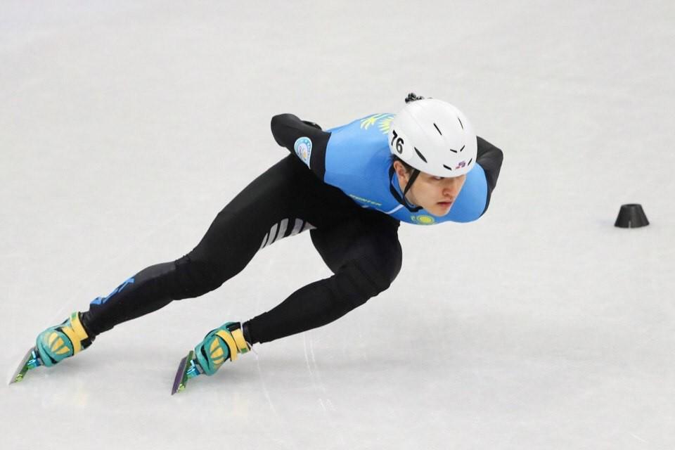 Трое казахстанцев завоевали медали на Кубке России по шорт-треку
