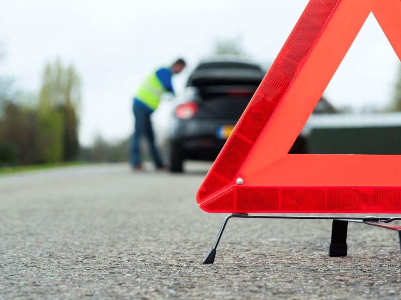 Полиция ищет водителя Lexus, сбившего накануне в Петропавловске двух девушек