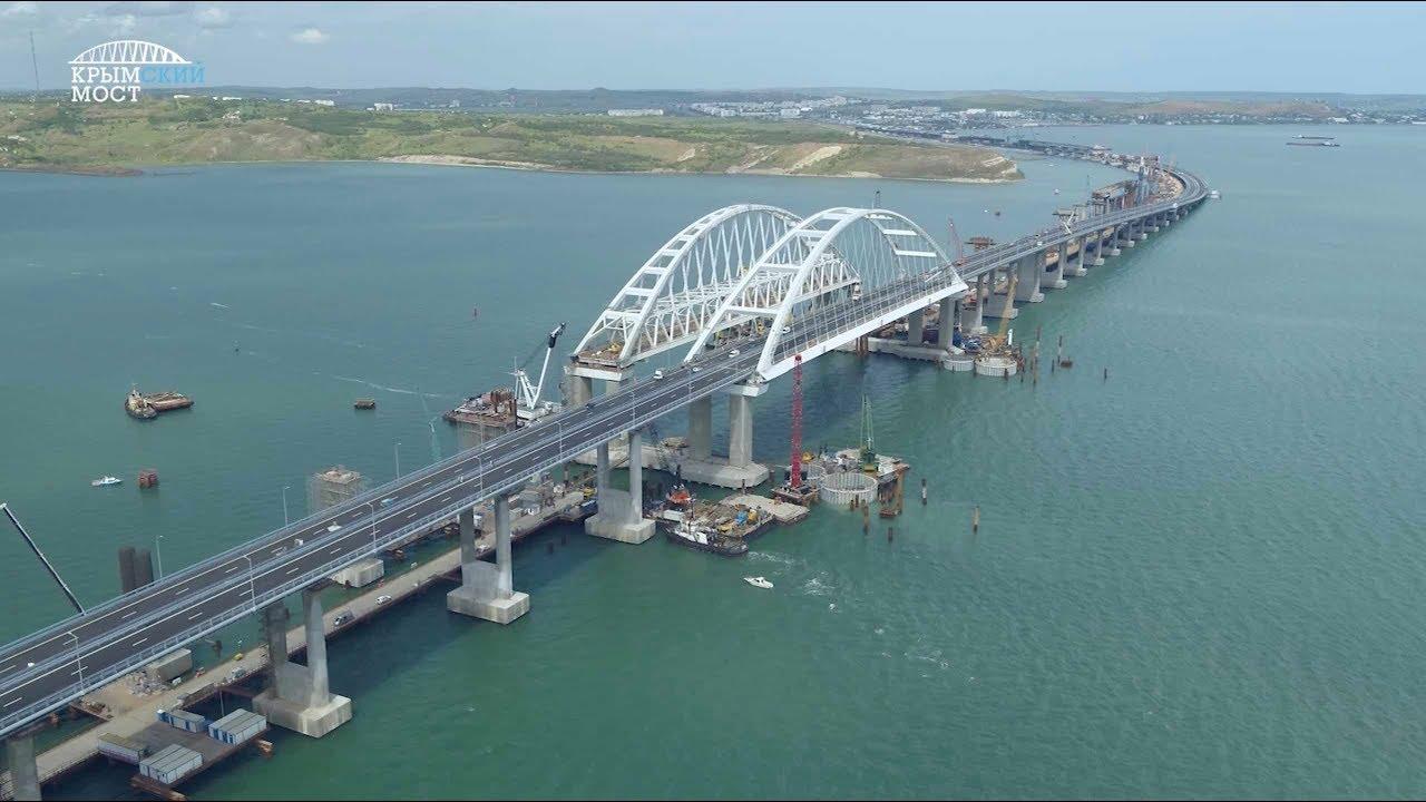Грузовой транспорт сможет передвигается по Крымскому мосту в конце сентября