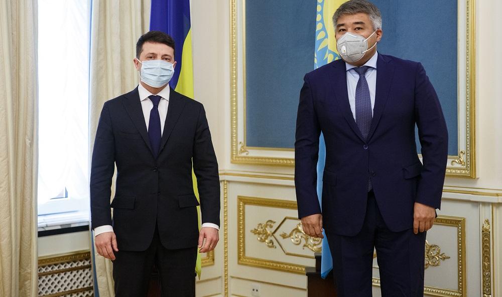 Посол Казахстана вручил верительные грамоты Владимиру Зеленскому
