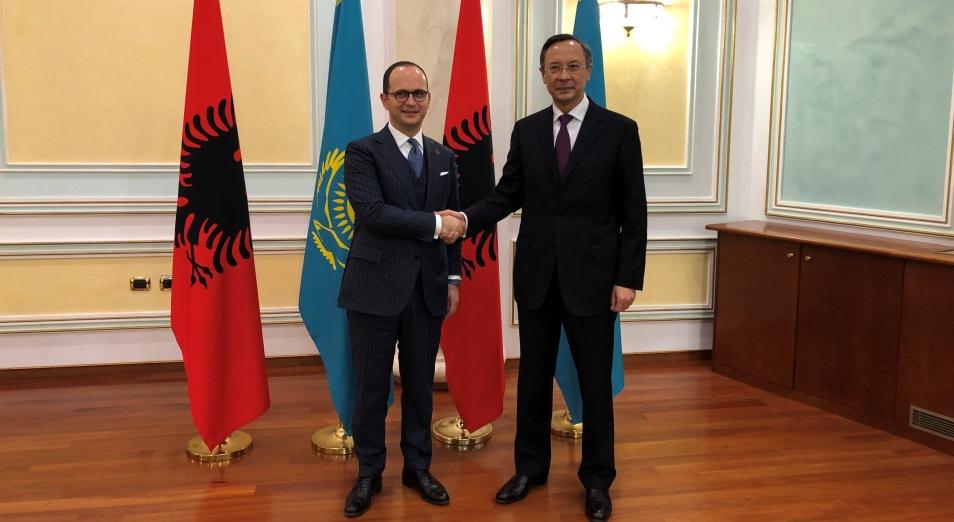 Казахстан и Албания обсудили введение безвизового режима для граждан двух стран