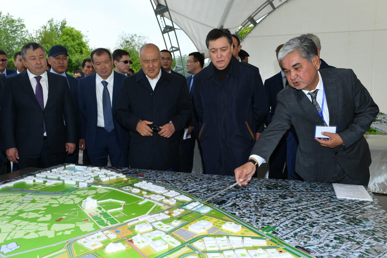 Обеспечить переход строительных работ в Туркестанской области на круглосуточный режим поручил Аскар Мамин