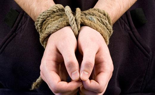 Житель Уральска взял в заложники свою супругу-нотариуса