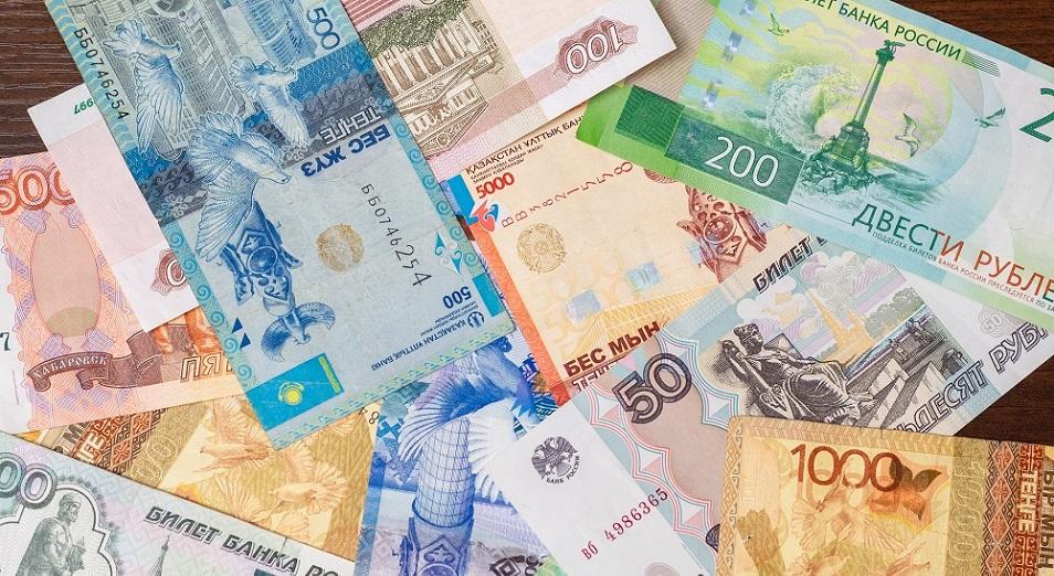 В обменниках РК взлетела цена за доллар и евро