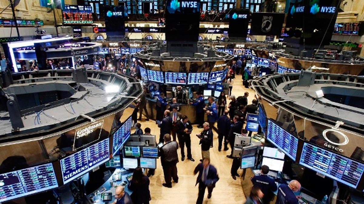 Белый дом считает нормальной коррекцией падение на биржах США