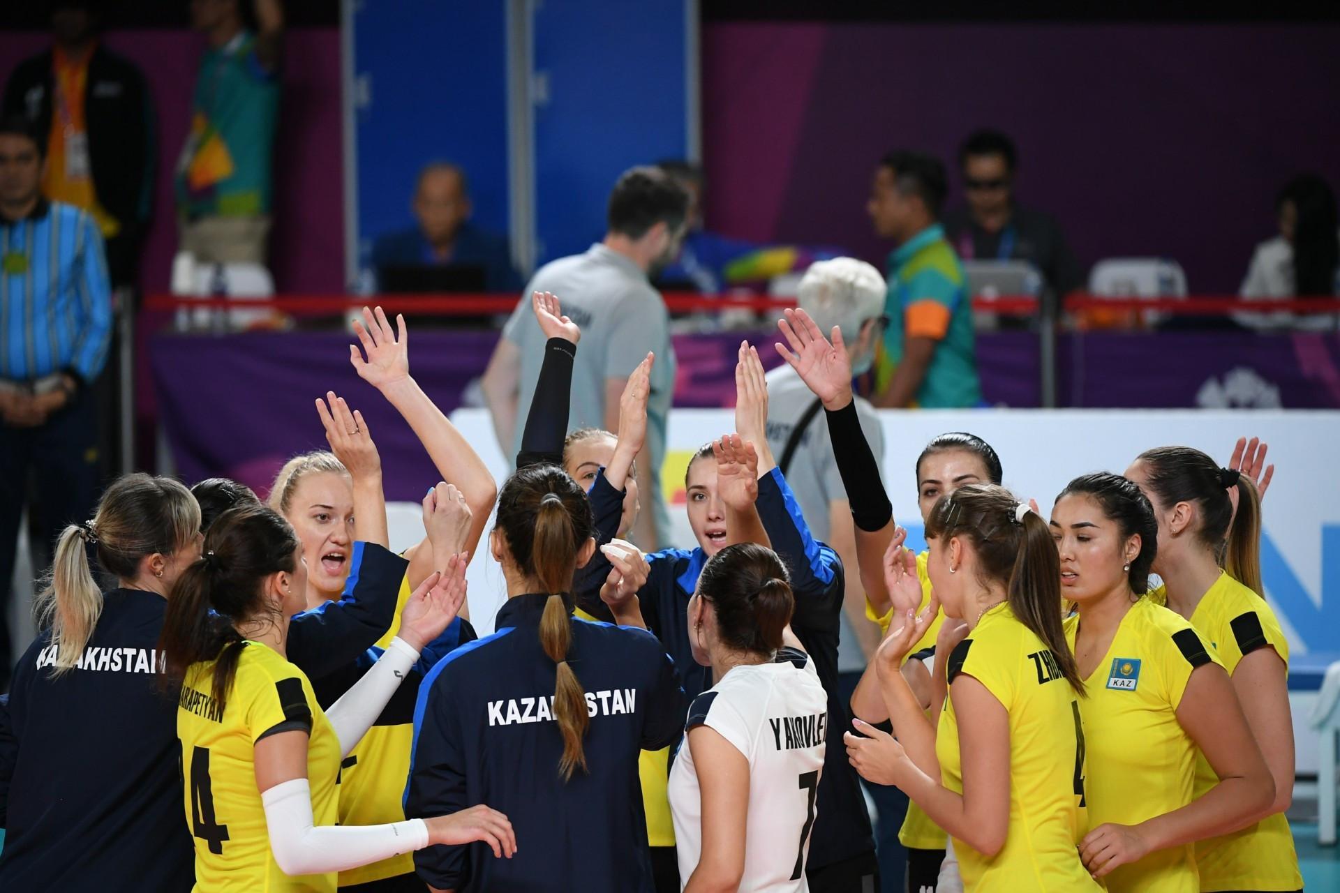 Казахстанские волейболистки вышли в полуфинал квалификационного турнира