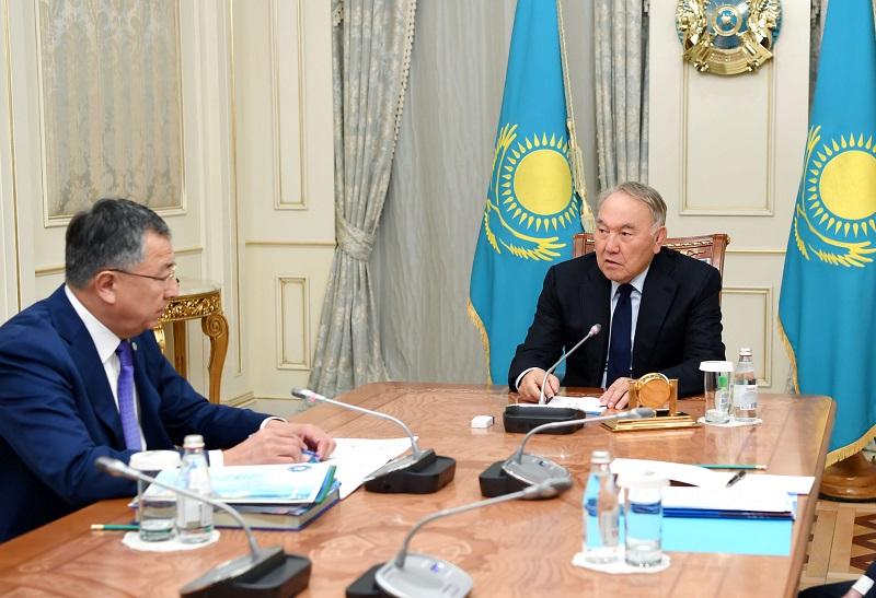 Нурсултан Назарбаев встретился с зампредом Ассамблеи народа Казахстана Жансеитом Туймебаевым