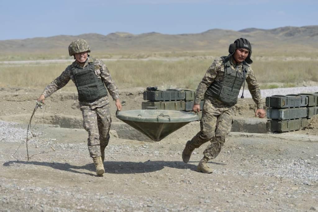 Тремя золотыми медалями пополнилась копилка казахстанских военных на АрМИ