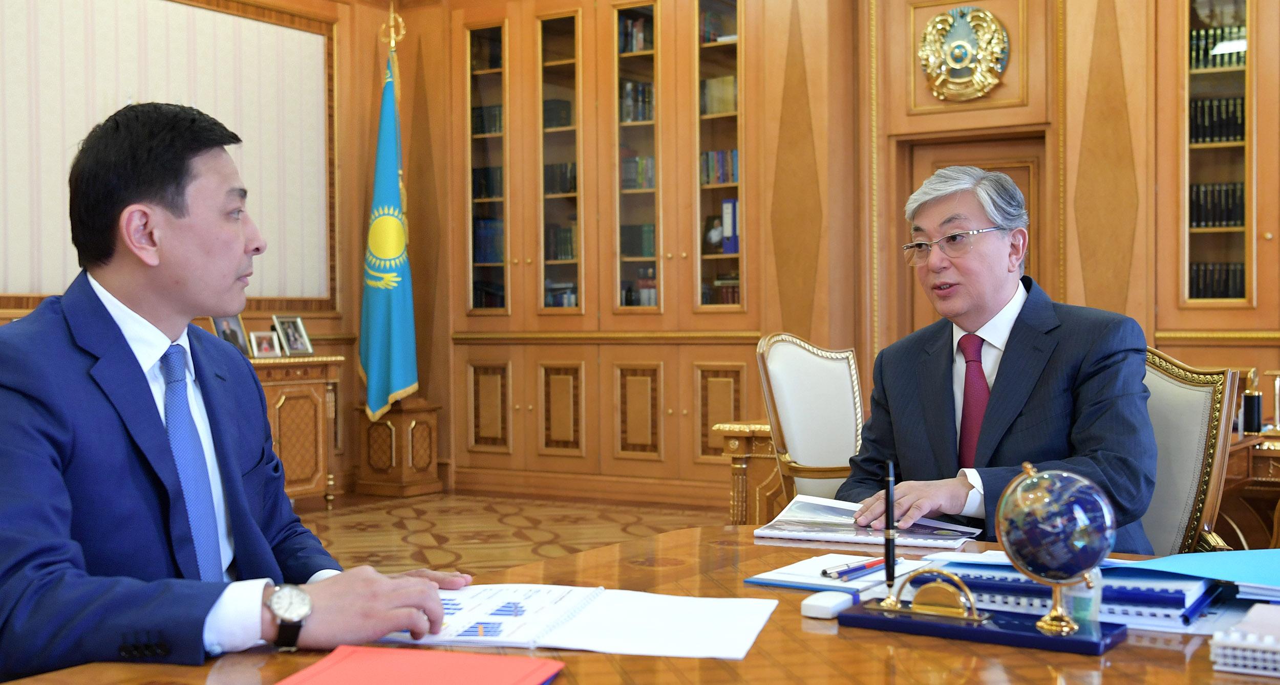 Касым-Жомарт Токаев принял акима Западно-Казахстанской области Алтая Кульгинова