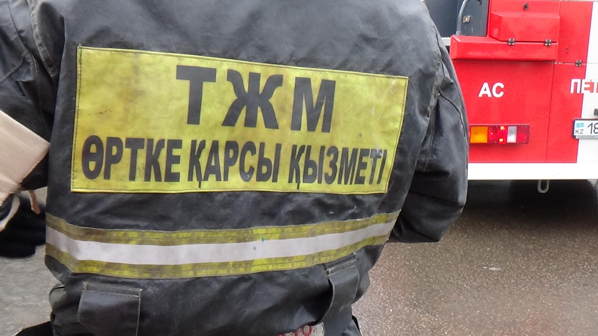 Мужчина погиб, еще один получил ожоги при взрыве в квартире в Павлодаре