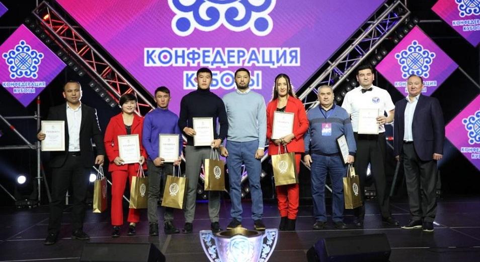 Нурдаулетов стал боксером года в Казахстане