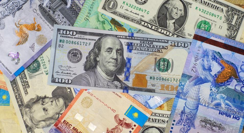 Негативные настроения на внешних рынках давят на тенге