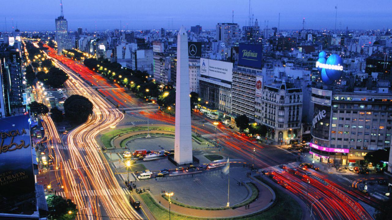 Аргентинские законодатели заморозили свои зарплаты из-за кризиса