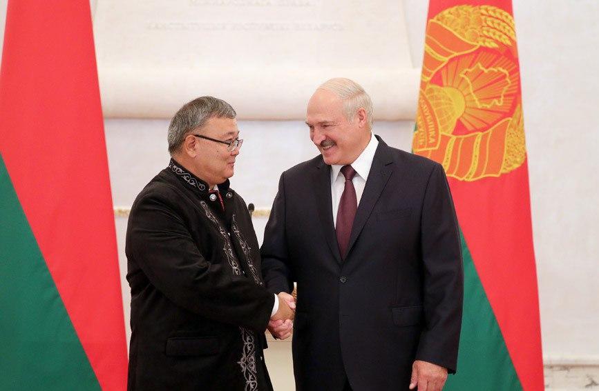 Посол Казахстана вручил верительные грамоты Александру Лукашенко