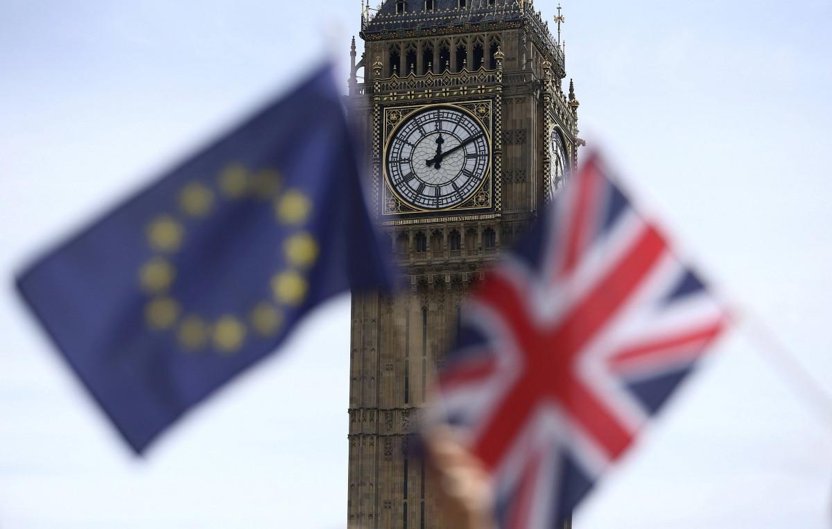 В Лондоне сотни тысяч человек вышли на марш против «Брексита»