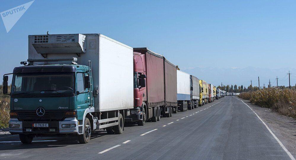 КГД проверит законность деятельности автостоянки на таможенном посту «Капланбек»