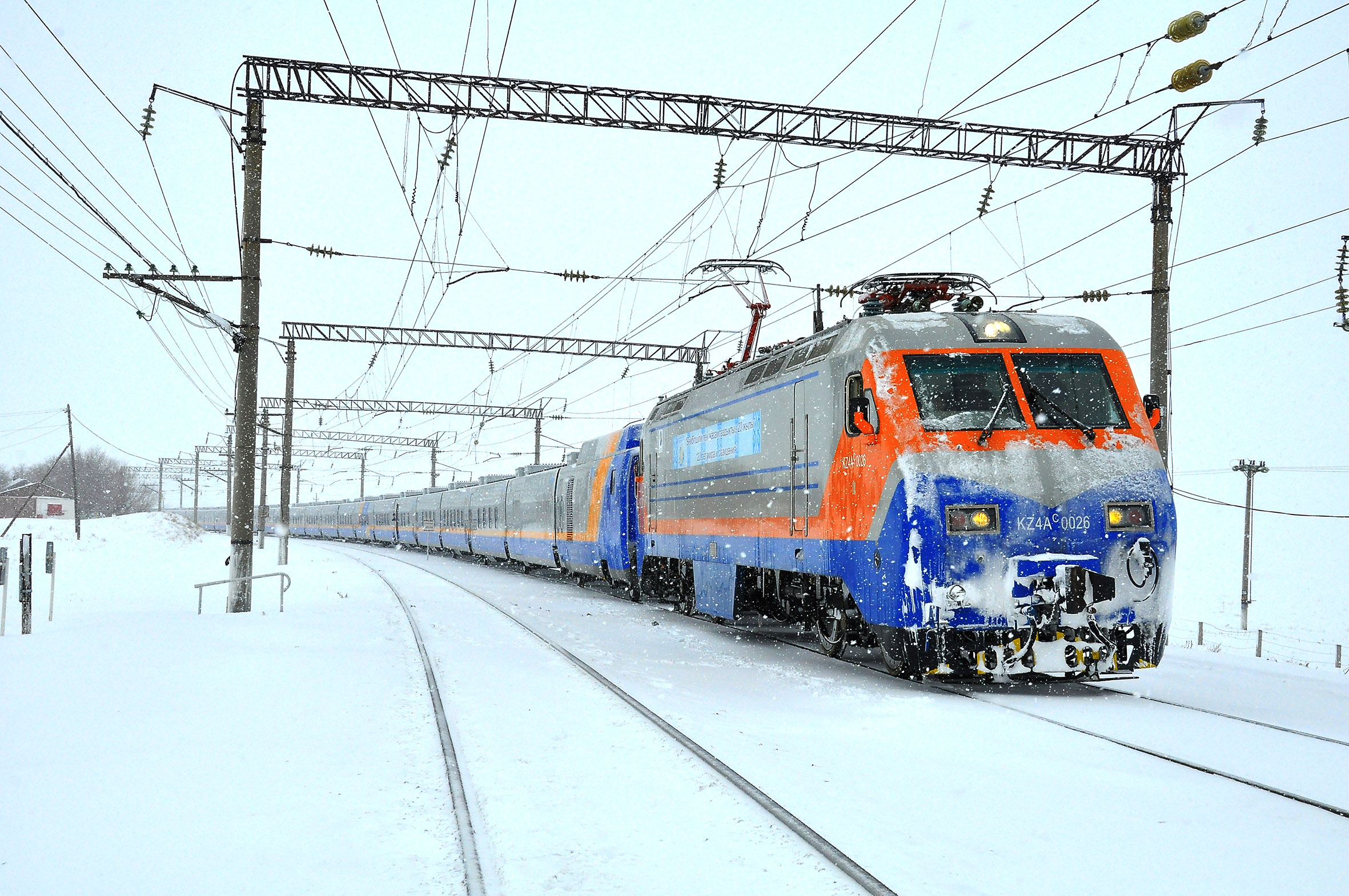С начала года очищено от снега порядка 7500 км железнодорожных путей
