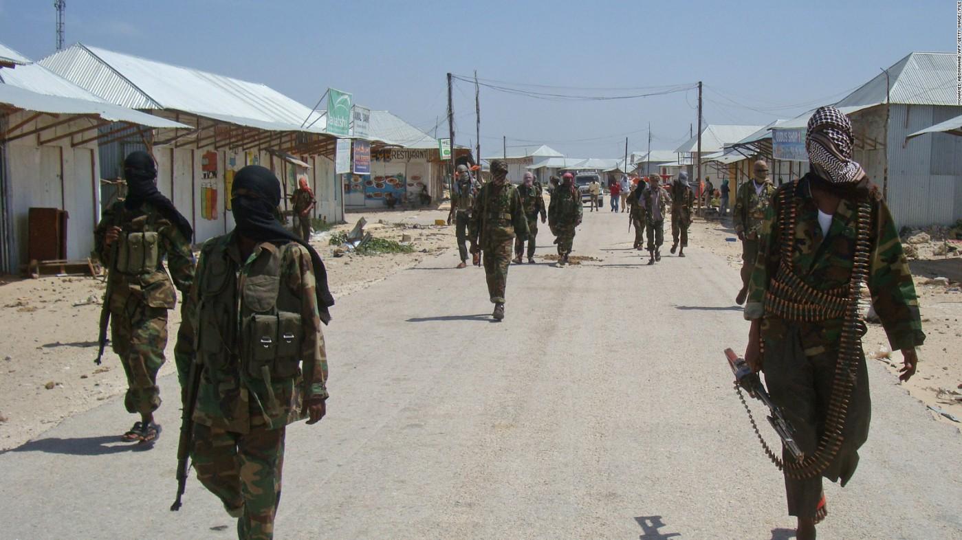Более 90 человек погибли в результате взрыва в столице Сомали
