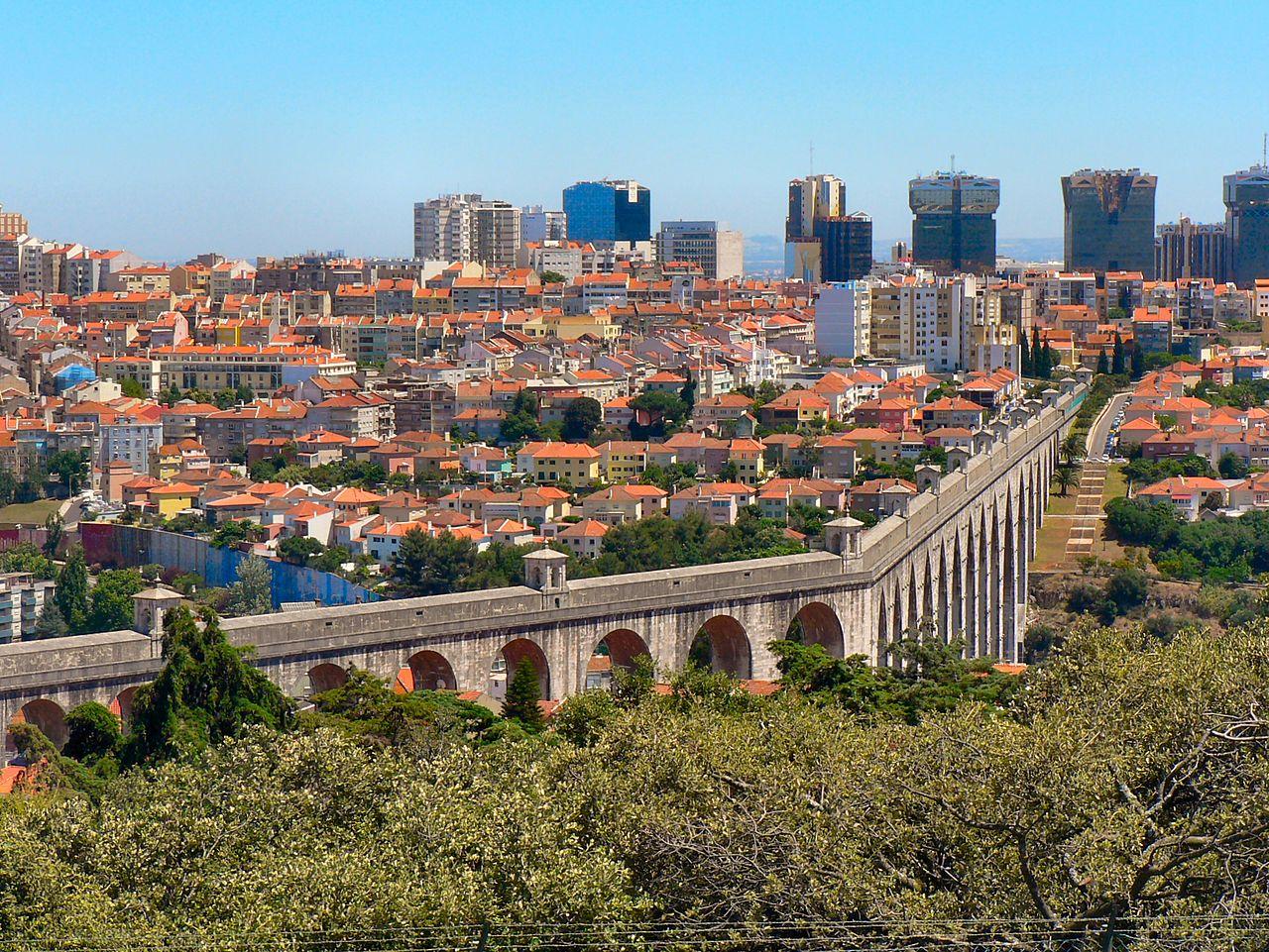 Лиссабон построит второй аэропорт на фоне туристического бума