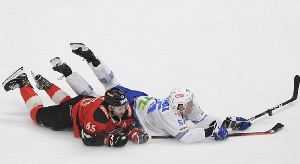 Регулярка КХЛ: «Барыс» не отпустил «Авангард» на востоке