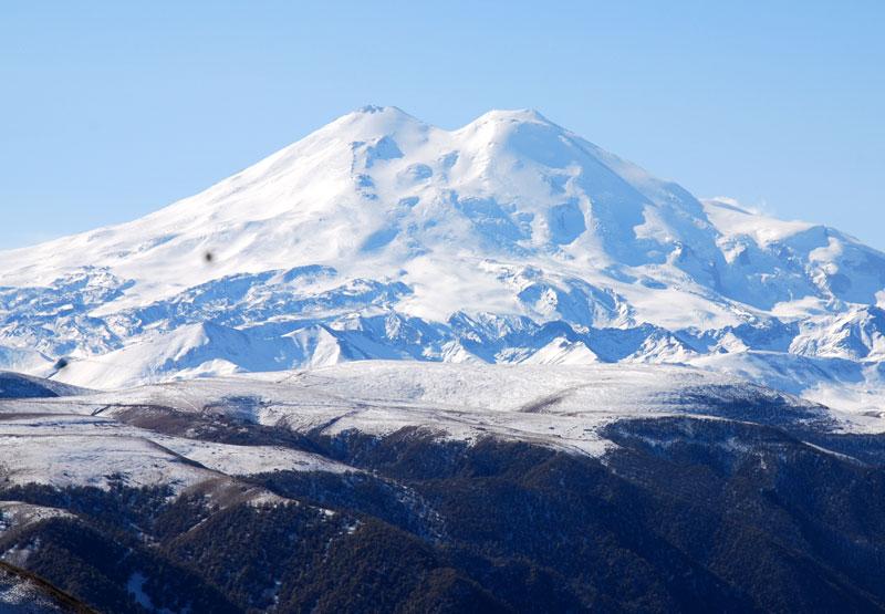 На Эльбрусе открыли юбилейный горнолыжный сезон