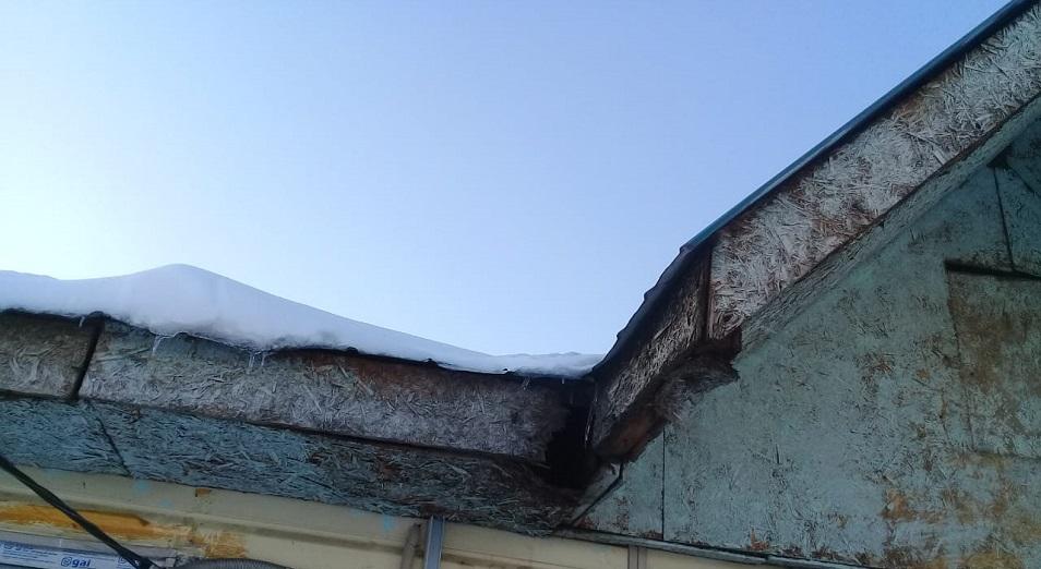 В Усть-Каменогорске дома для оралманов рассыпаются от ветхости и морозов