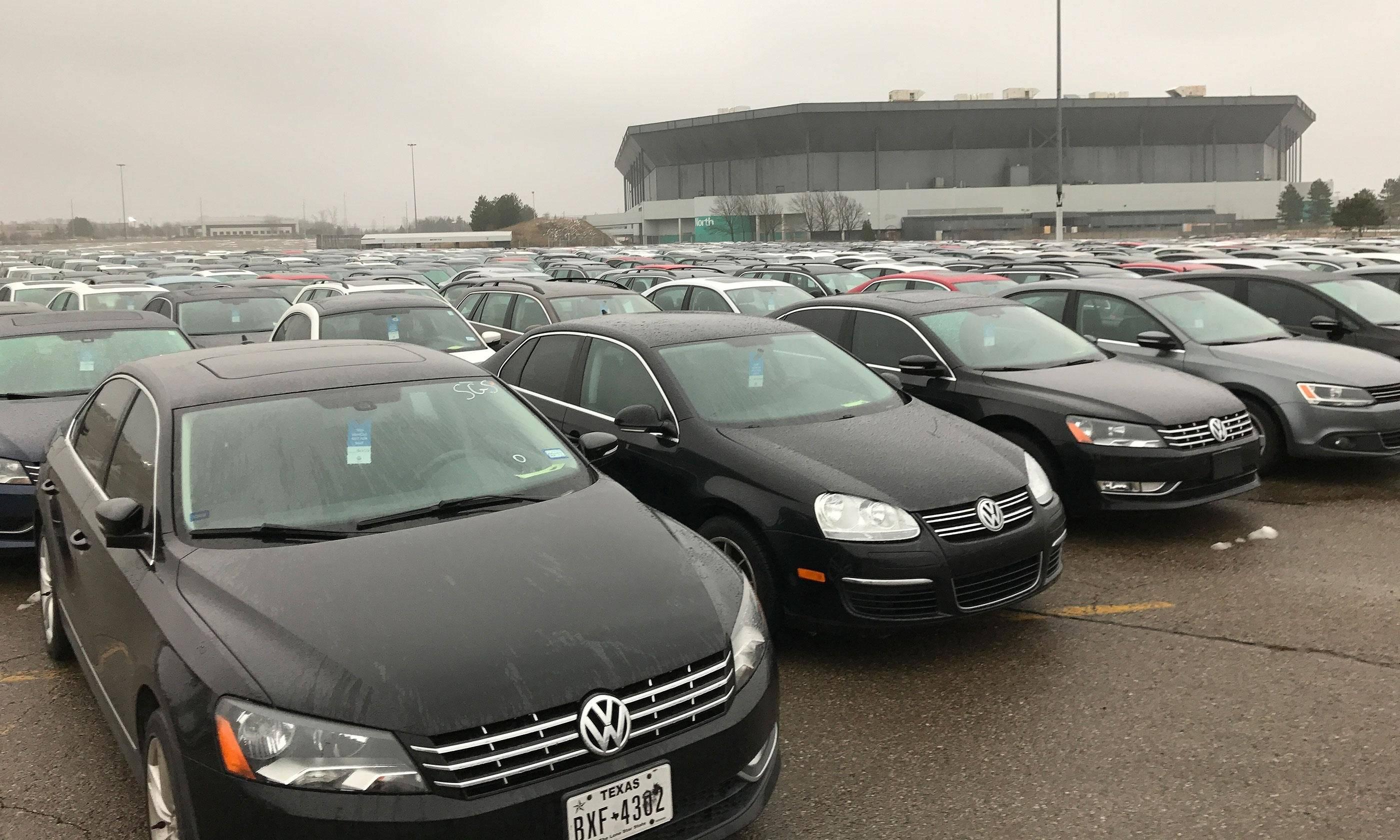 """Владельцы машин VW могут получить компенсации в рамках """"дизельгейта"""" в Германии"""