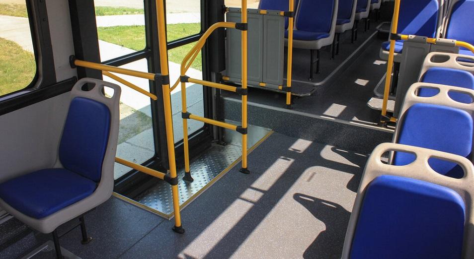 Скандал на транспорте: в ВКО водители автобусов написали жалобу акиму