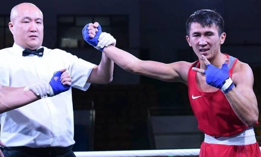Три бронзы завоевали казахстанские боксеры в полуфинале турнира в Венгрии