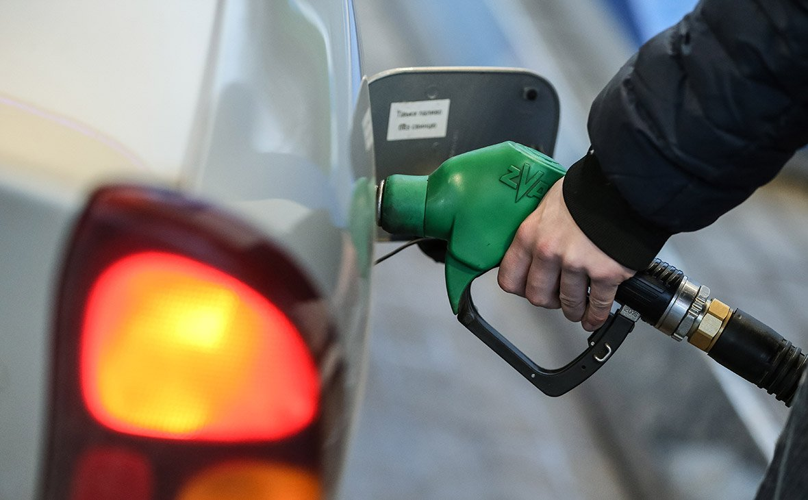 Бензин в России подорожал за неделю на 0,3%