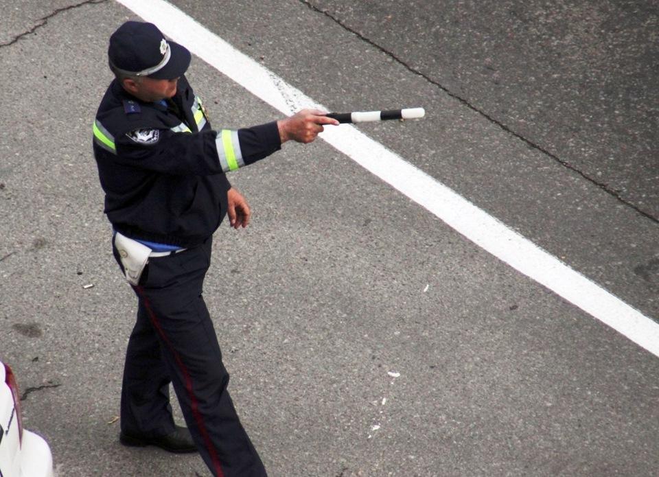 Казахстанским полицейским с 1 сентября вернули жезлы