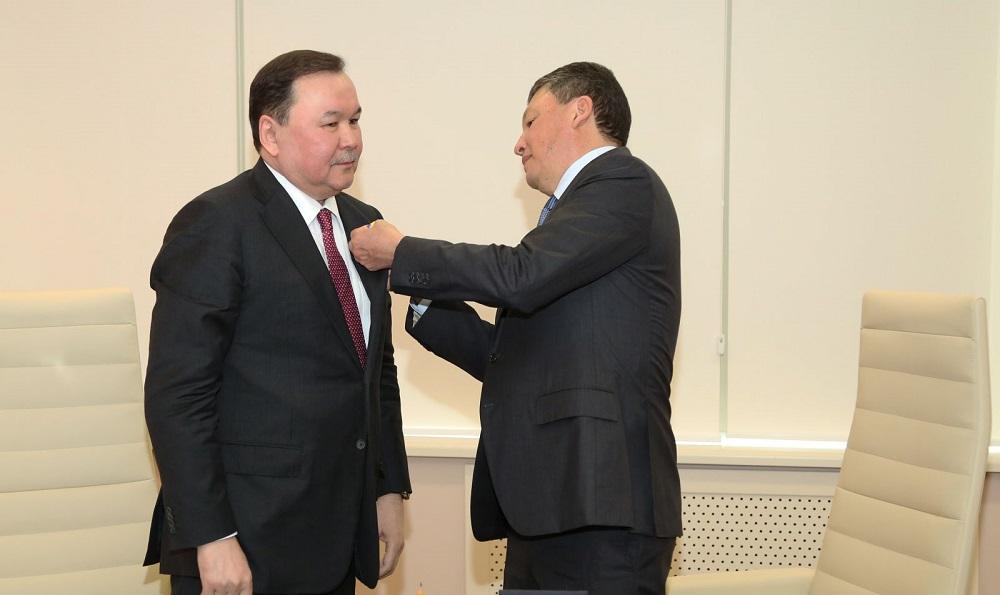 Болат Палымбетов награжден медалью «Атемекен» за отличную работу