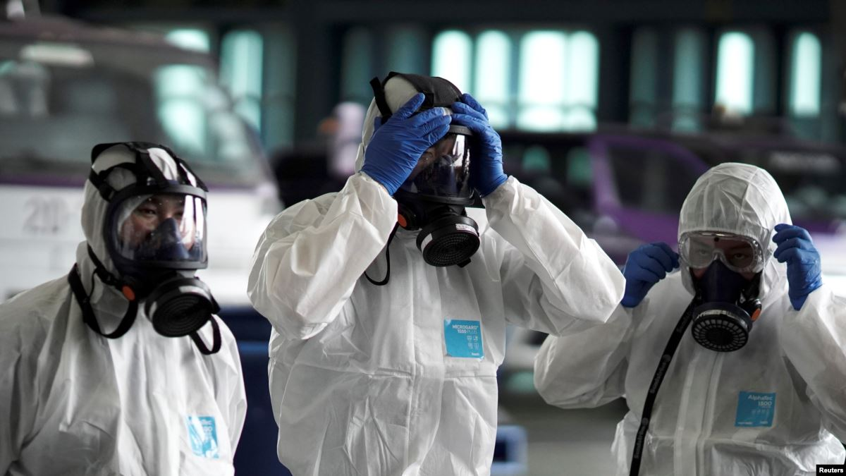 Қытайда коронавирустан қаза болғандар саны 1,8 мыңға жақындады