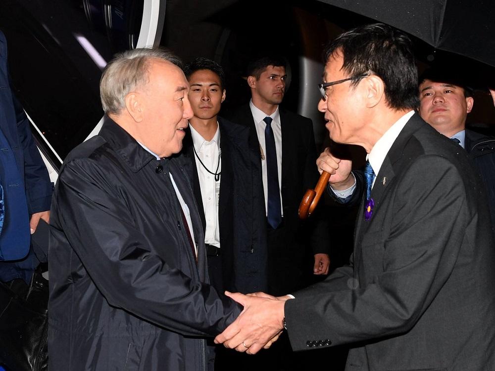 Нурсултан Назарбаев прибыл в Токио