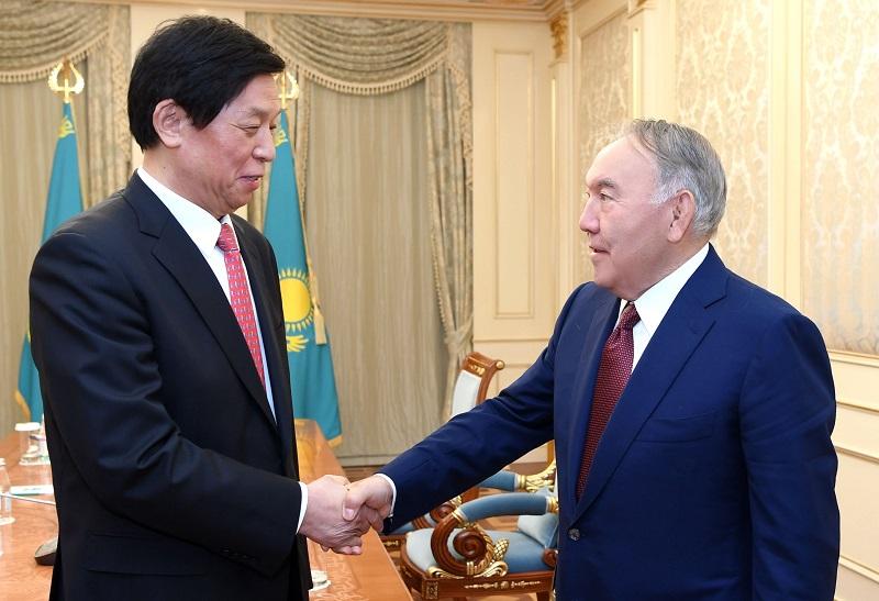 Нурсултан Назарбаев встретился с Ли Чжаньшу
