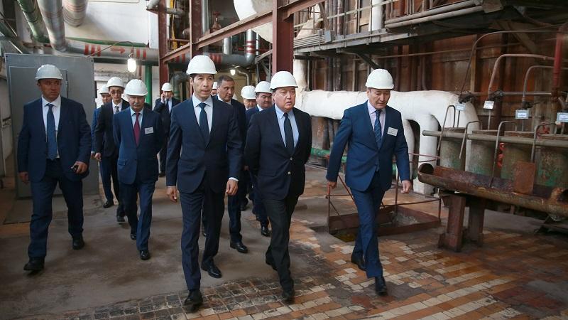 Аскар Мамин посетил Карачаганакское и Чинаревское нефтегазоконденсатные месторождения