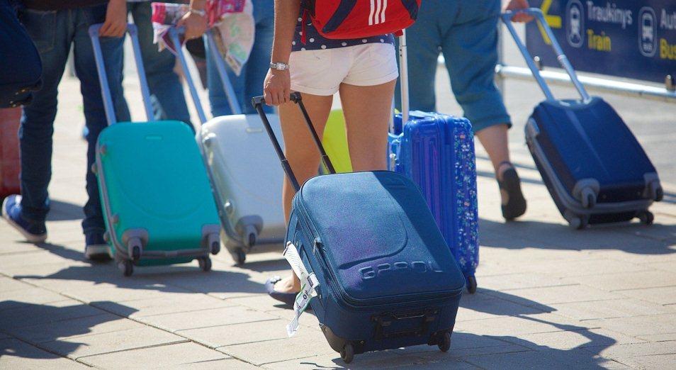 Казахстанцы продолжают активно уезжать из страны